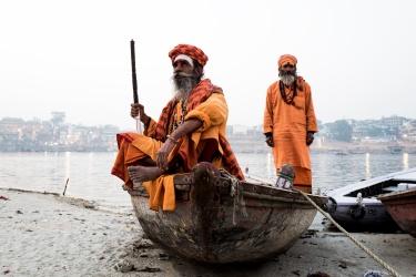 India, tra i vicoli di Old Varanasi e gli slum di Kolkata