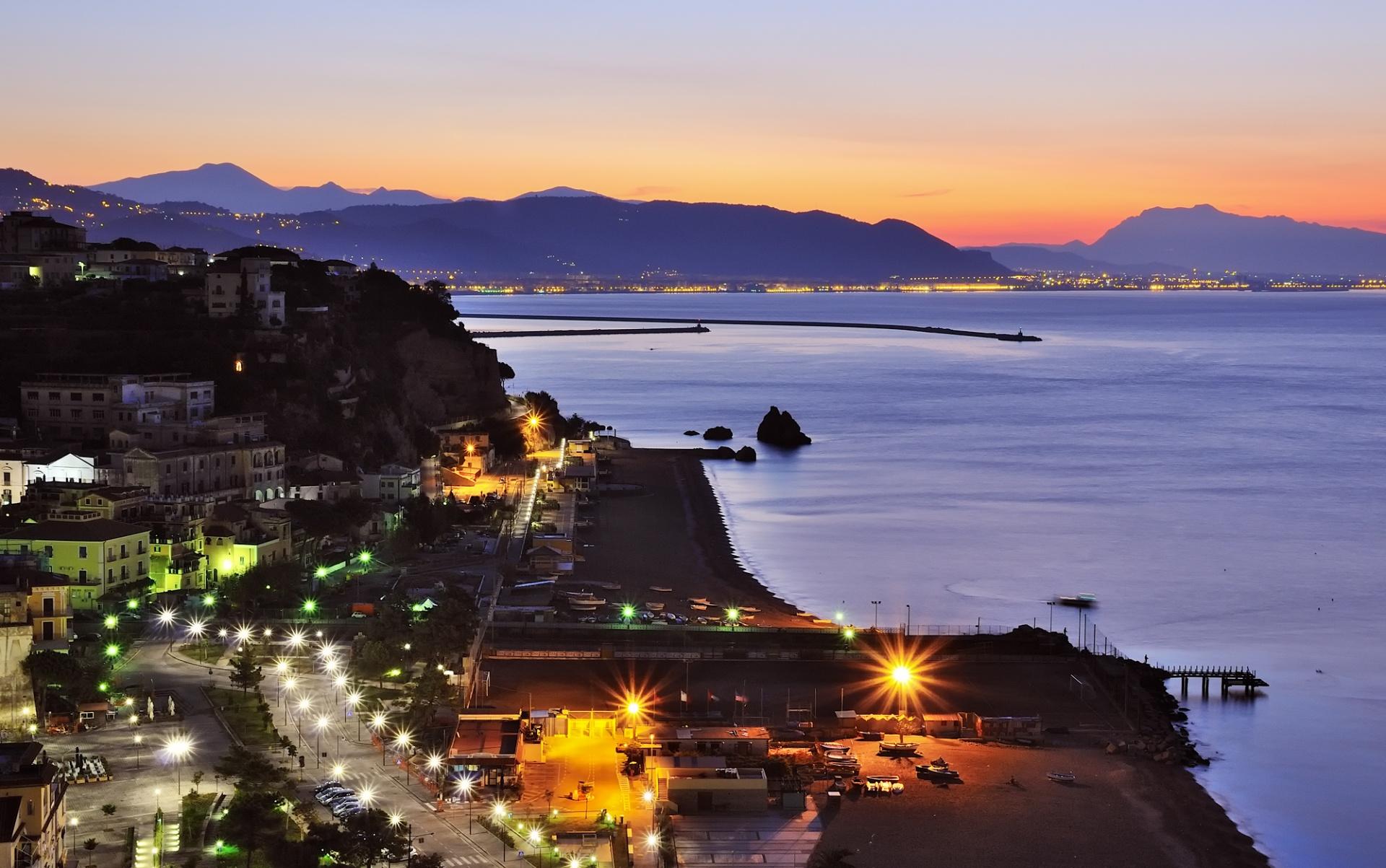 Seascape: dall'alba al tromonto, Paesaggi marini ripresi tra l'alba e il tramonto