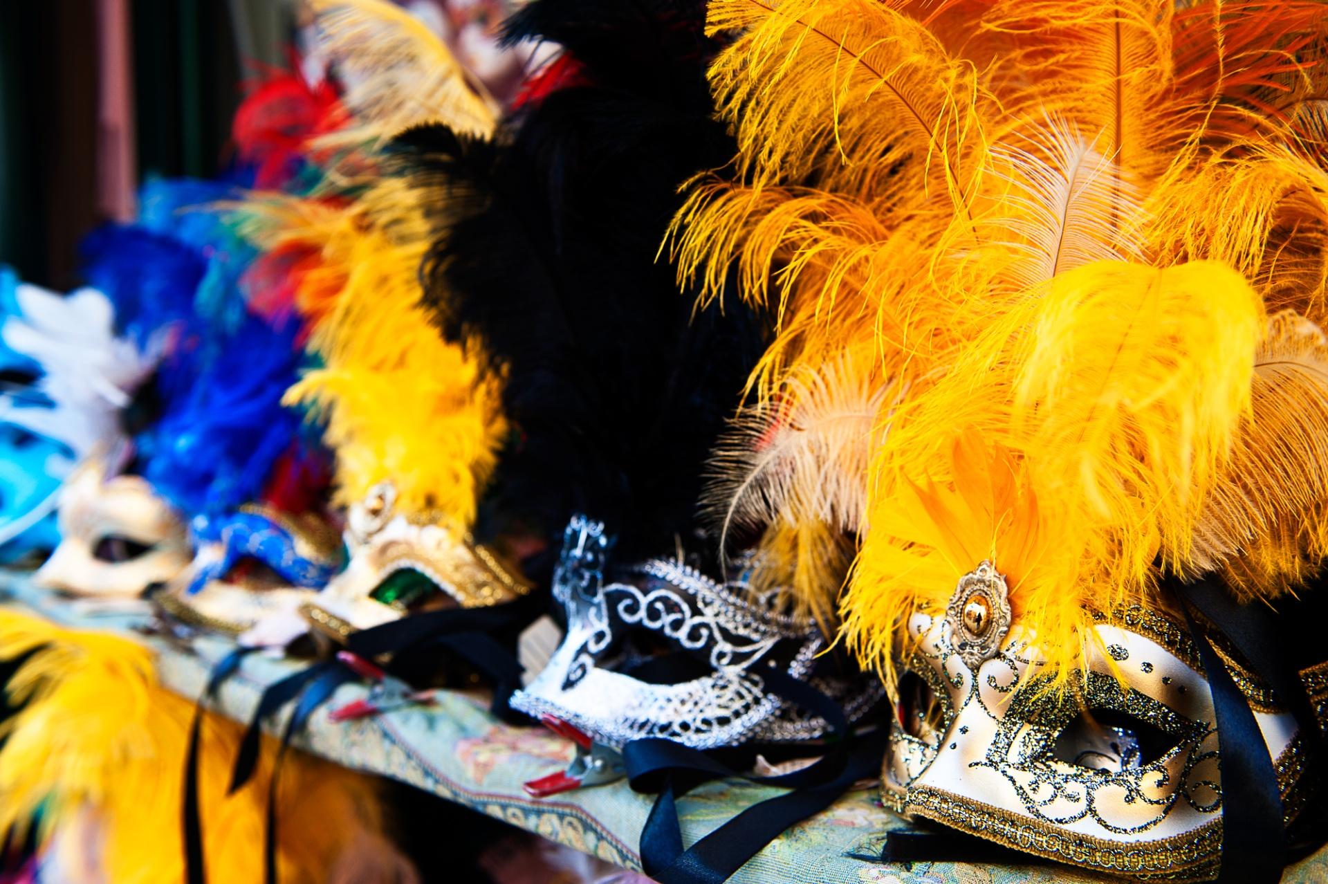 Il Carnevale a Venezia, « Qui la moglie e là il marito Ognuno va dove gli par Ognun corre a qualche invito, chi a giocar chi a ballar » (Carlo Goldoni) 4087076