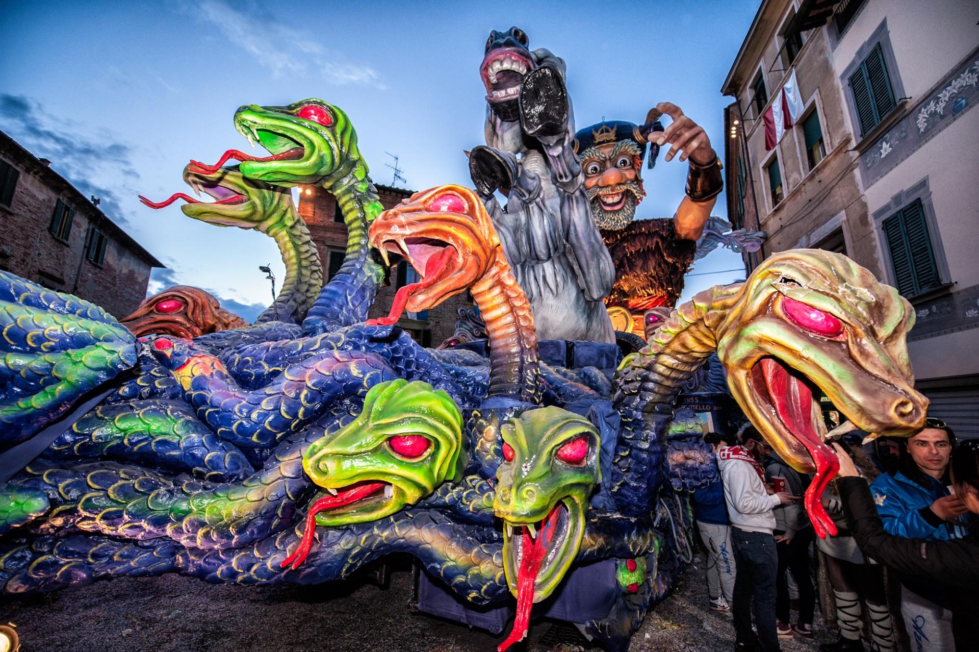 Il Carnevale a Foiano della Chiana, Probabilmente è meno noto di quelli di Venezia e Viareggio, ma è sicuramente il più antico d'Italia e vanta una tradizione e una continuità ininterrotte per oltre