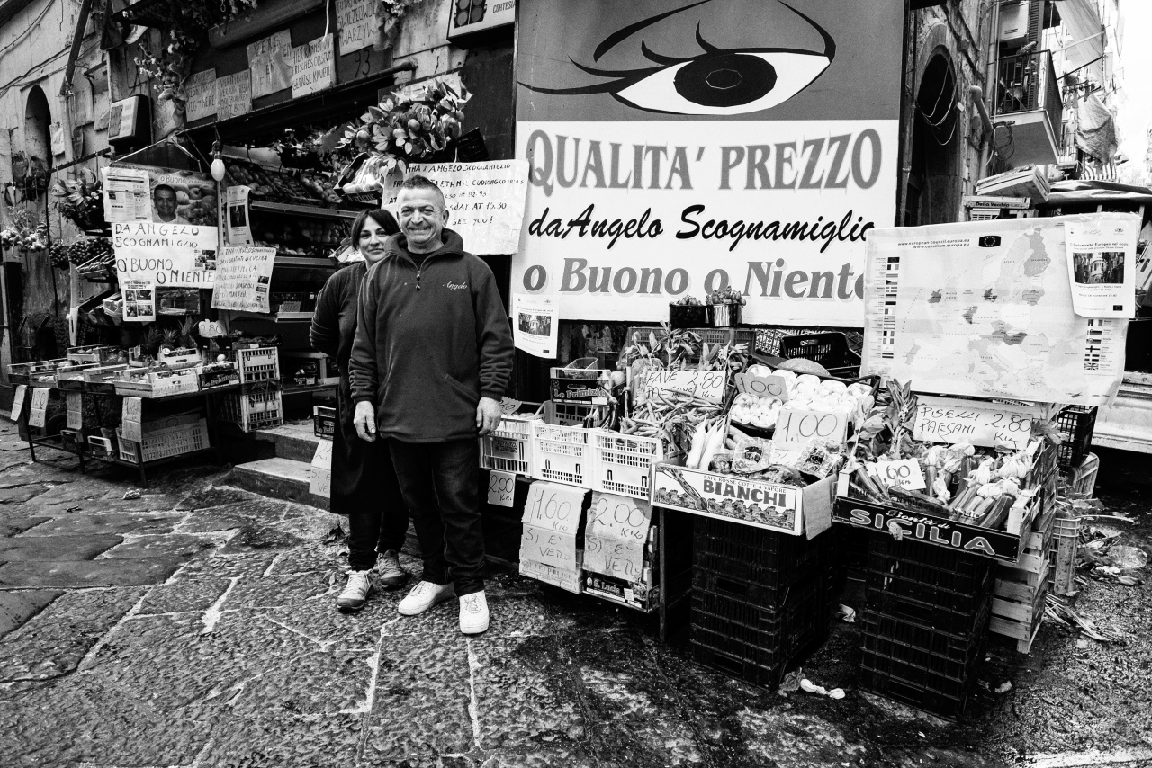 Tina e Angelo, o buono o niente - Ortofrutta Scognamiglio - Via Lungo Gelso, quartieri Spagnoli, Napoli, 2014