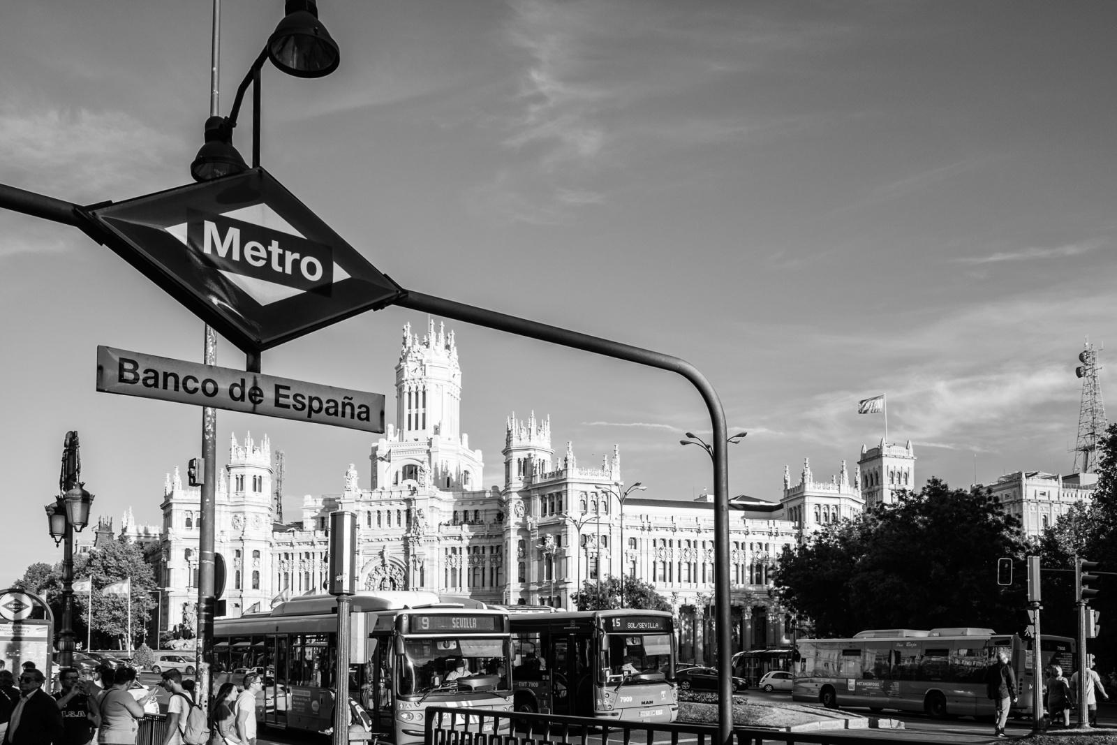 Plaza Cibeles - Fermata della metro in Plaza Cibeles - Madrid 2013